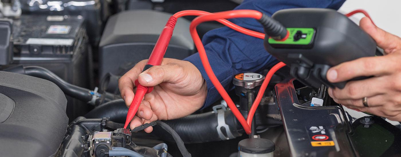 Técnico en electricidad automotríz